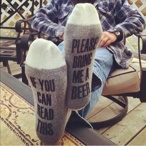 If you can read this bring me a cold 🍻 beer socks